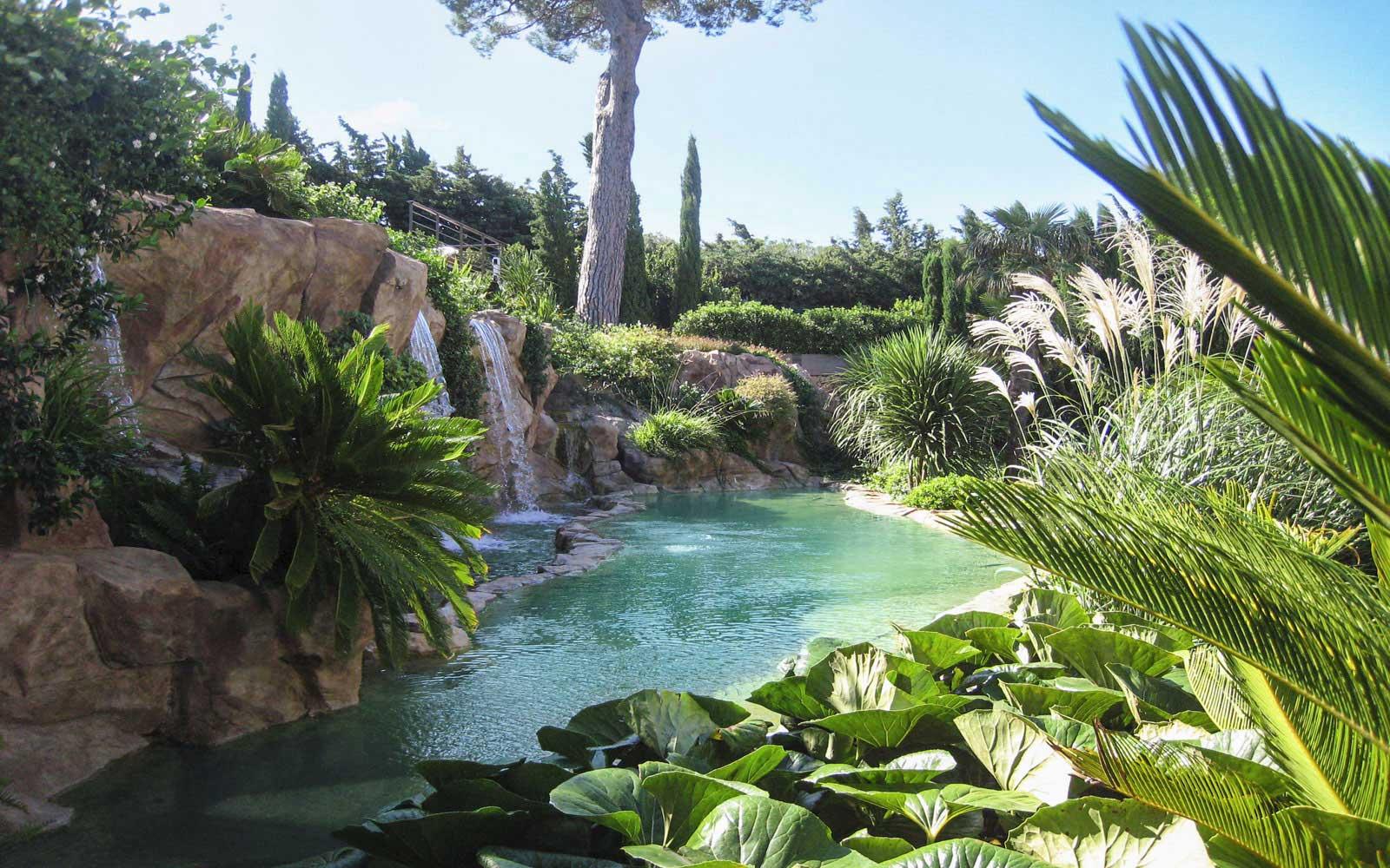Waterworld_Baignade naturelle avec jeux d-eau en rochers