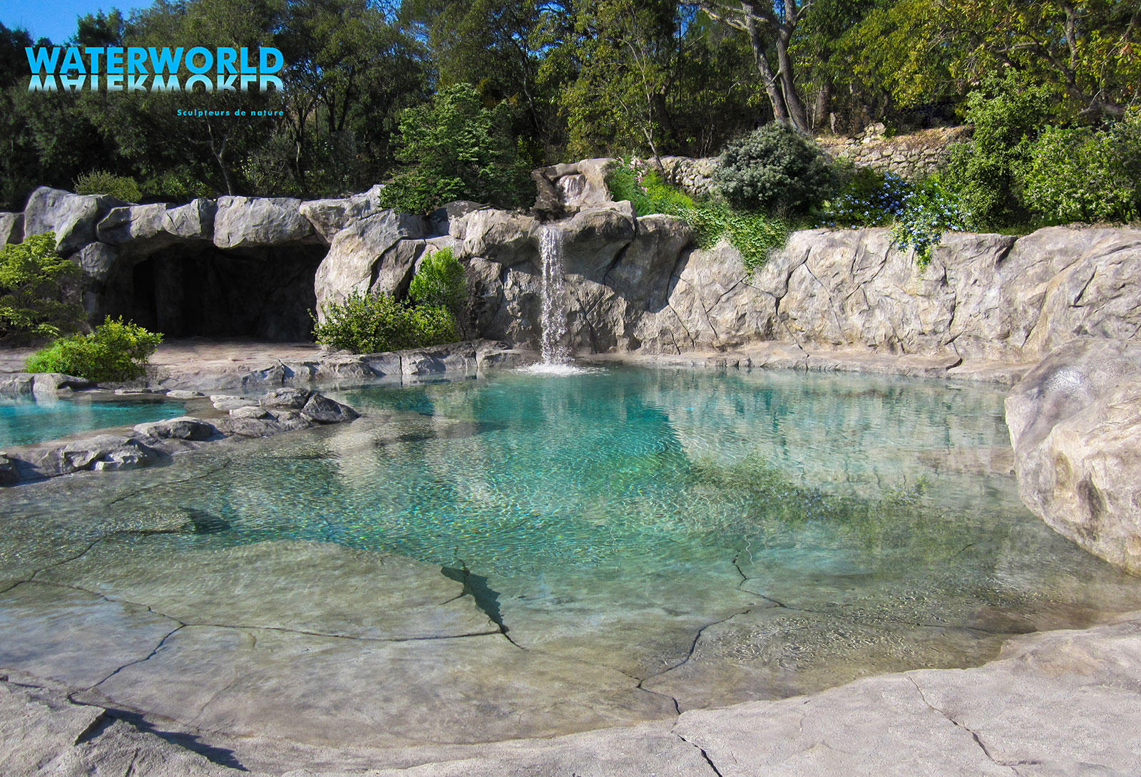 Piscines paysag es d 39 exception bassins cascades for Piscine integree dans terrasse